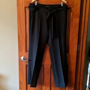 Banana Republic Logan tie waist & front seams!